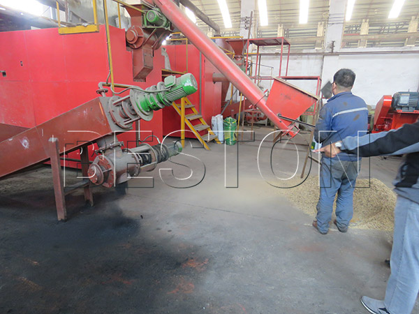 customer visiting for sawdust carbonizing machine